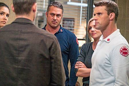 Chicago Fire 8x4 (16).jpg