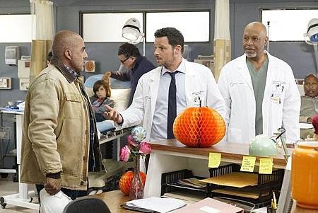 Grey's Anatomy 16×6 (11).jpg