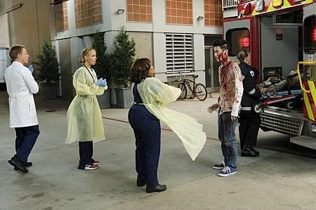 Grey's Anatomy 16×6 (24).jpg
