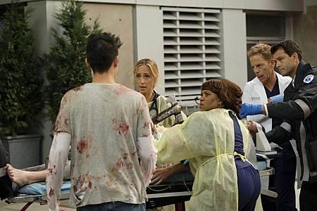 Grey's Anatomy 16×6 (25).jpg
