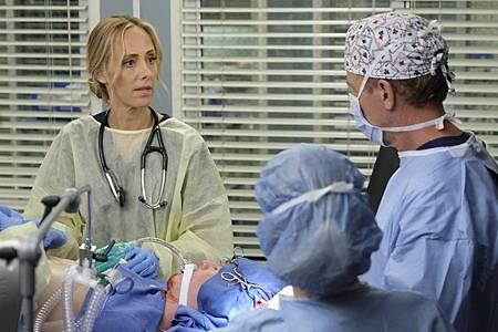 Grey's Anatomy 16×6 (23).jpg