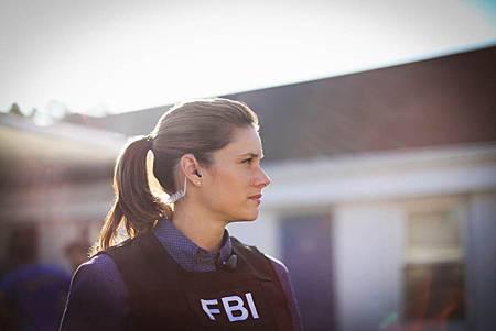 FBI  2×5 (16).jpg