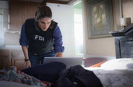 FBI  2×5 (20).jpg