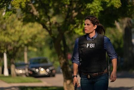FBI  2×5 (22).jpg