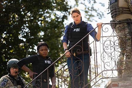 FBI  2×5 (28).jpg