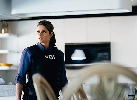 FBI  2×5 (37).jpg