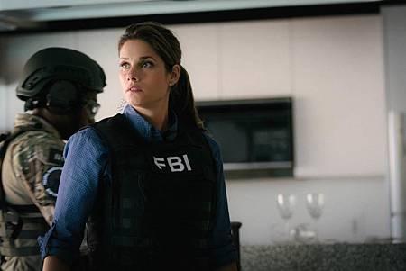 FBI  2×5 (39).jpg