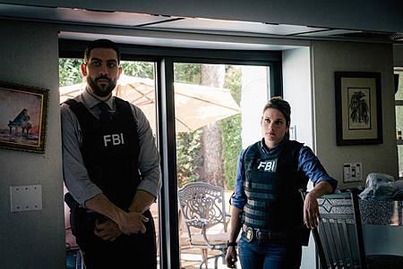 FBI  2×5 (40).jpg