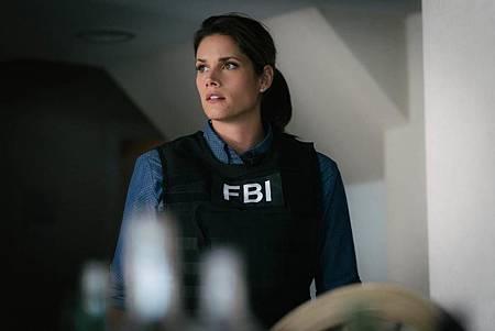 FBI  2×5 (38).jpg