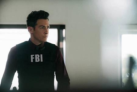 FBI  2×5 (45).jpg