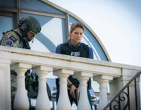 FBI  2×5 (51).jpg