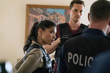 Chicago PD 7×5 (20).jpg