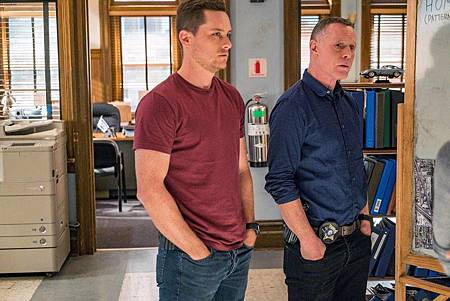 Chicago PD 7×5 (18).jpg