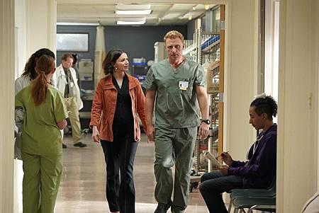 Grey's Anatomy 16×7 (4).jpg