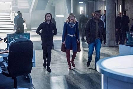 Supergirl 5×4 (2).jpg