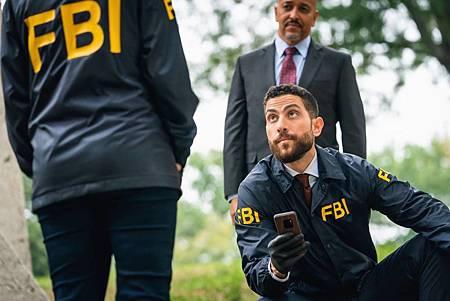 FBI 2×6 (1).jpg