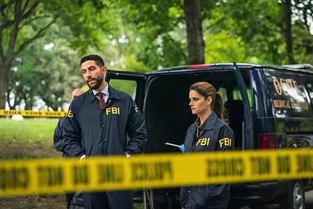 FBI 2×6 (3).jpg