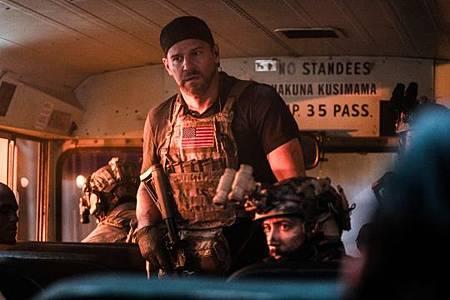 SEAL Team 3x06-23.jpeg