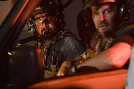 SEAL Team 3x06-40.jpeg