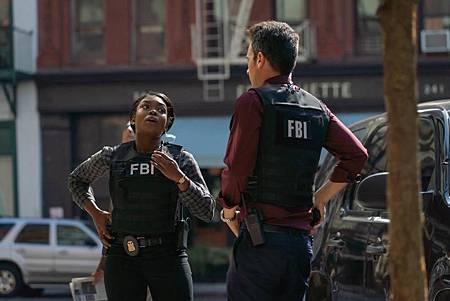 FBI 2×7 (4).jpg