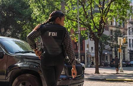 FBI 2×7 (3).jpg