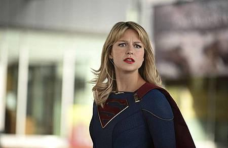 Supergirl 5×8 (8).jpg