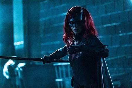 Batwoman 1×8 (7).jpg