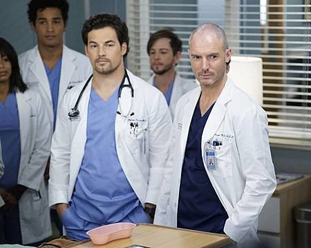 Grey's Anatomy 16x9 (9).jpg