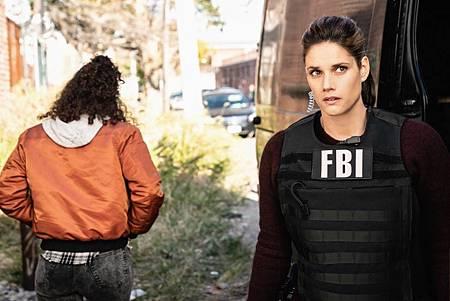 FBI 2×9 (3).jpg
