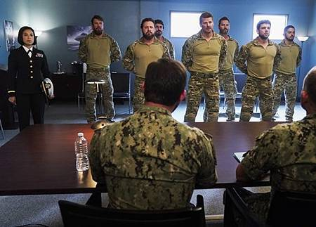 SEAL Team 3x10-12.jpg
