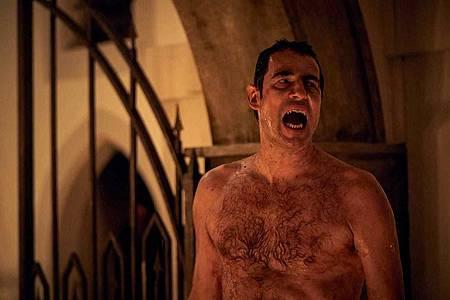 Dracula S01(13).jpg