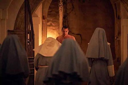 Dracula S01(15).jpg