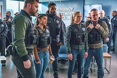 Chicago PD 7×10 (2).jpg