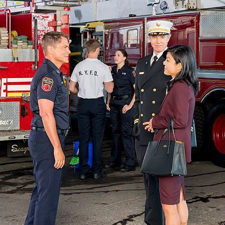 9-1-1 Lone Star S1 (7)