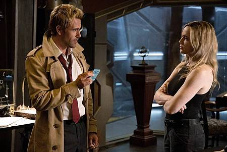 Legends of Tomorrow 5×2 (3).jpg