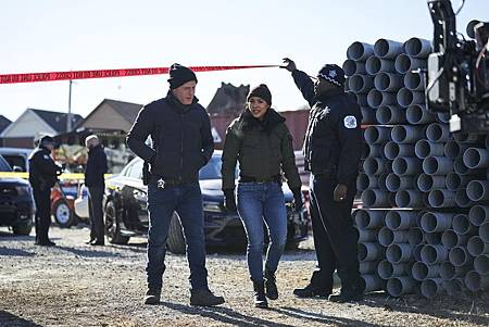 Chicago PD 7×14 (4).jpg