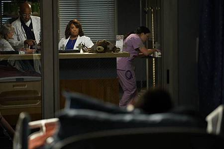 Grey's Anatomy 16×13 (39).jpg