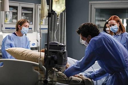 Grey's Anatomy 16×14 (30).jpg
