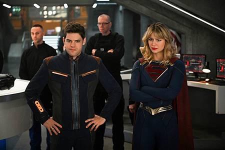 Supergirl 5×12 (12).jpg