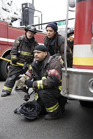 Chicago Fire 8x15 (8).jpg