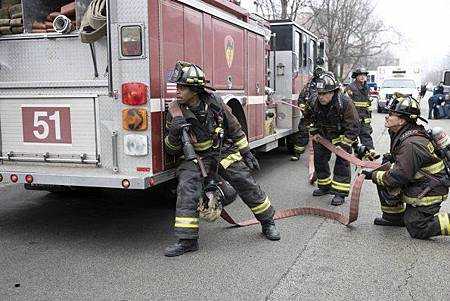 Chicago Fire 8x15 (9).jpg
