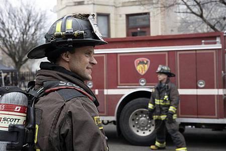 Chicago Fire 8x15 (10).jpg