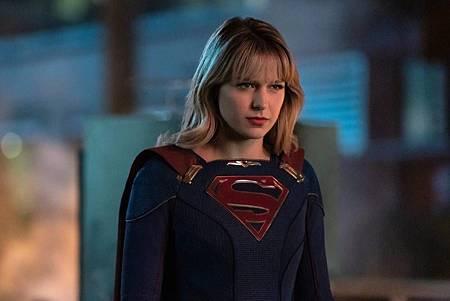 Supergirl 5×13(100th) (2).jpg