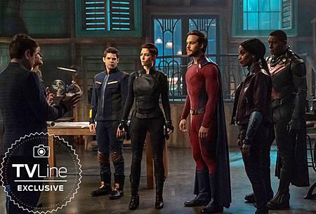 Supergirl First Look TVLine (2).jpg