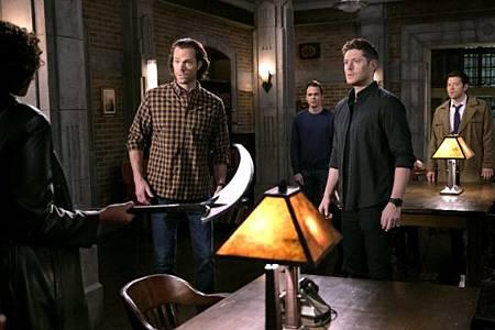 Supernatural 15x12-08.jpg