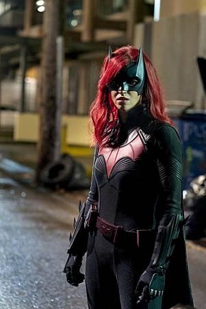 Batwoman 1×16 (7).jpg