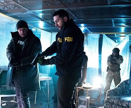 FBI 2×18(10).jpg