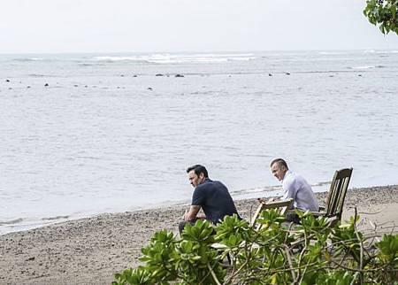 Hawaii Five-O 10x21-02.jpg