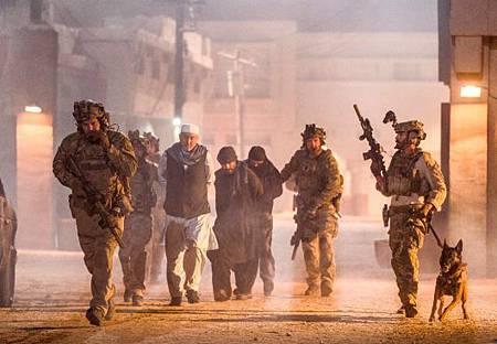 SEAL Team 3x18-06.jpg