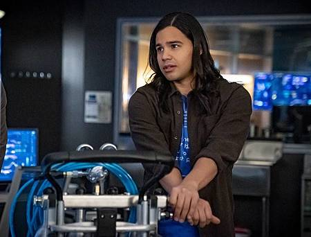 The Flash 6×18 (1).jpg